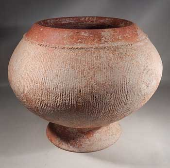 Ancient Thailand Ban Chaing Pottery Incised Footed Bowl Vessel