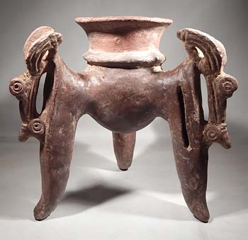 Large Costa Rican Tripod Rattle Vessel