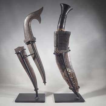 Antique Persian Daggers Knifes Custom Display Stands (back).