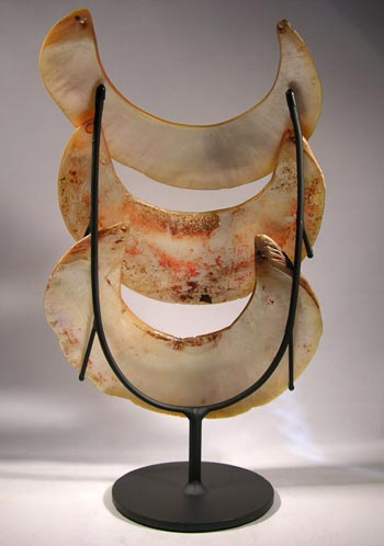 Papua New Guinea Kina Shell Custom Display Stand- back