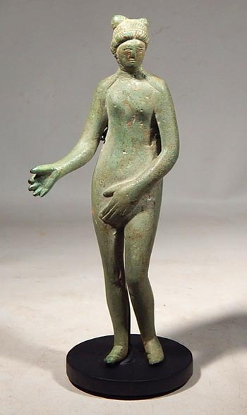 Ancient Roman bronze figure of Venus Custom Display Stand. (front)